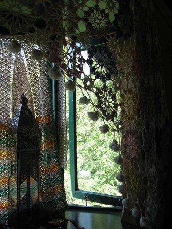 Low Wray National Trust Campsite: Inside the caravan