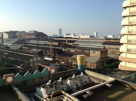 Hotel Keihan Universal City: the view outside our window