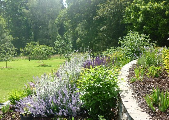 The Pheasantry: 1.6 acres of beautifully landscaped gardens