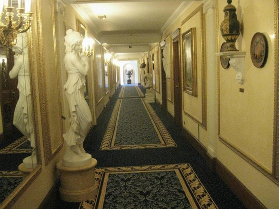 Grand Hotel Des Iles Borromees : Corridoio