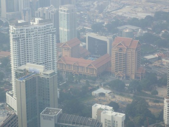 Royale Chulan Kuala Lumpur: Hotel gezien vanaf petronas towers.