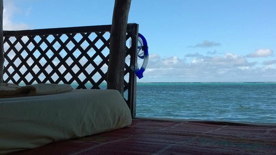 Joelan Beach Fales: Room with a view - the parents retreat