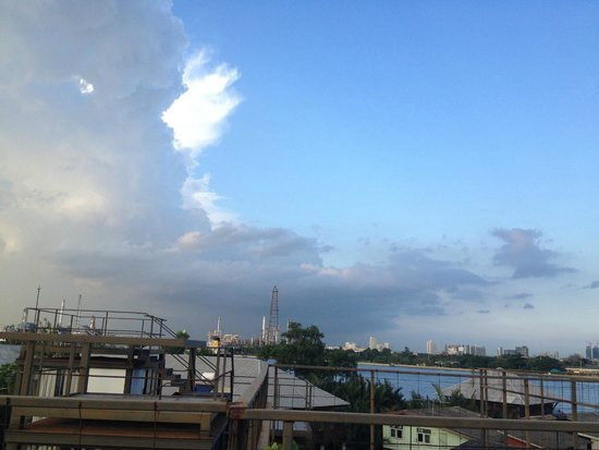 Bangkok Tree House: View from the rooftop hammock