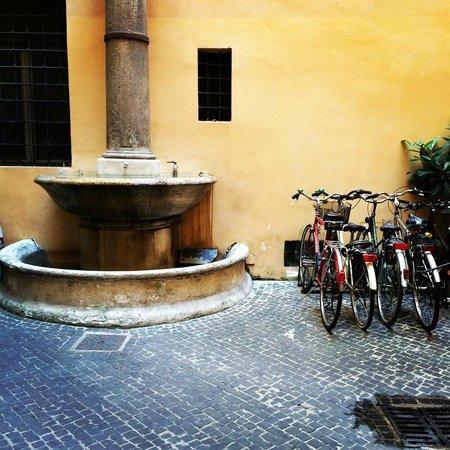 Residenza Montecitorio : Hotel Entrance