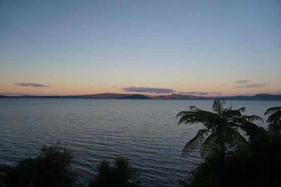 Lake Rotorua: sunset