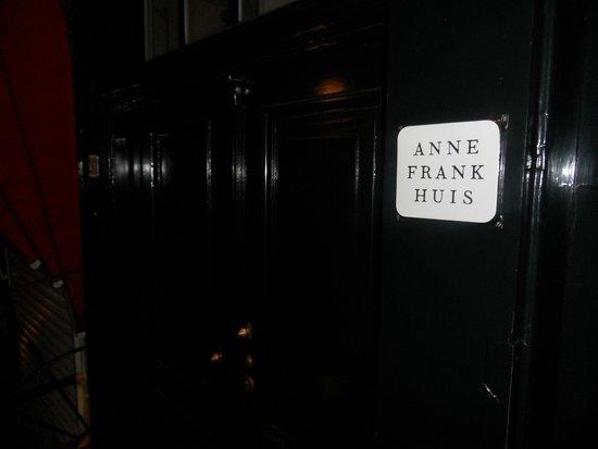 Maison Anne Frank : porta di ingresso casa Frank