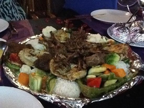 Merhaba Garden Restaurant : mixed grill. lækkert og masser af mad.