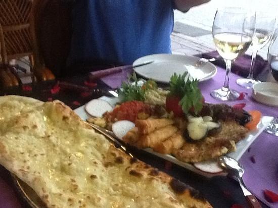 Merhaba Garden Restaurant: lækker tyrkisk meze på merhaba garden.