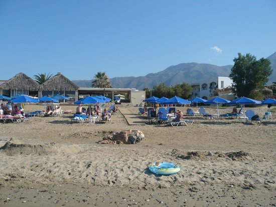Happy Days Hotel and Bungalows: Plage