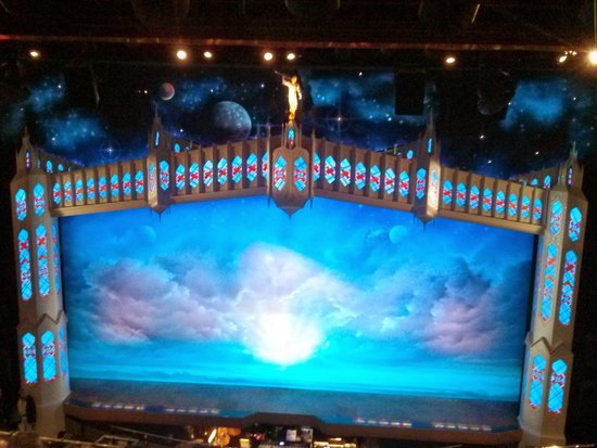 The Book of Mormon London: Opening