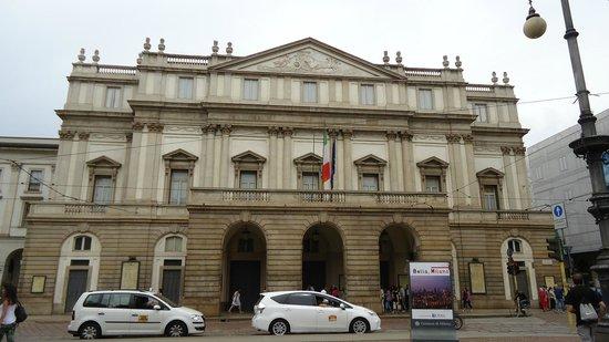 Piazza della Scala: Ла Скала