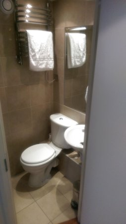 Blandford Hotel : single room bathroom