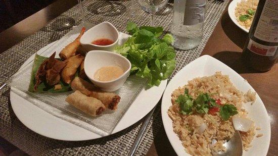 Siam Shiki: Assortiments d'entrées et riz cantonais