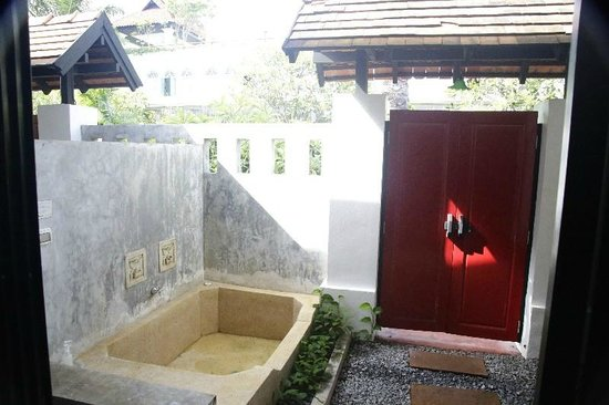 The Old Phuket: Our room with jacuzzi