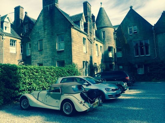 Glengarry Castle Hotel : The stuff dreams are made of