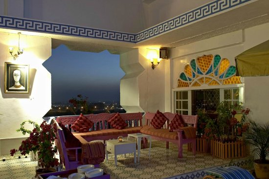 Hotel Clarks Amer: Roof Top Bar Ta Blu