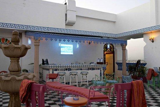 Hotel Clarks Amer: Roof Top Bar Ta Blu 1