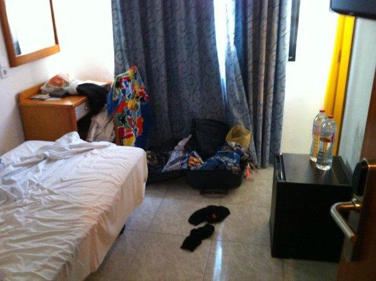 """Hotel Osiris: """"mein"""" Zimmer 238! Statt """"booking - yeah!"""" war mein Kommentar: """"alltours- ach du scheisse!"""""""