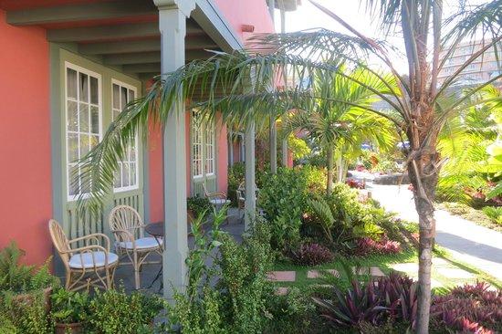 Hotel Hacienda De Abajo: Poolside room