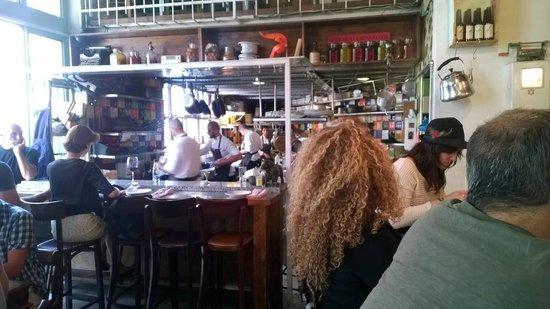 Machneyuda: e ... la cucina a vista