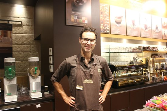 Lindt Store Roma: The nice guy at the counter