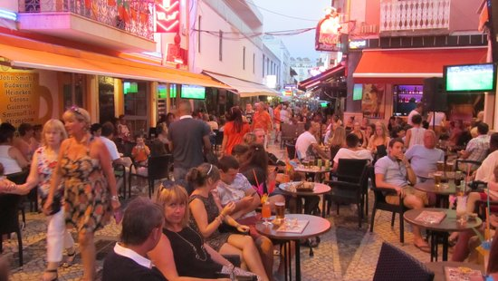 Vila Galé Cerro Alagoa : View of street with some choices of eating out.