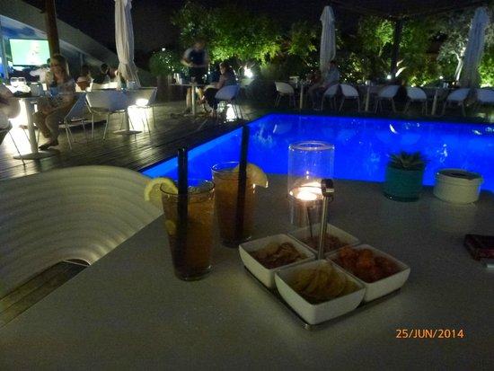Radisson Blu es. Hotel, Roma: Bar am Pool