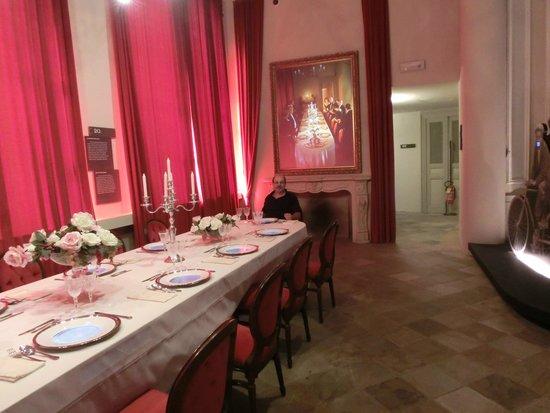WiMu - Museo del Vino a Barolo : tavola imbandita