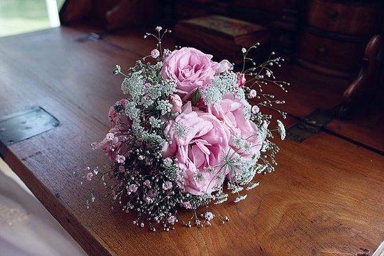 Brampton Grange: Beautiful flowers