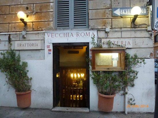 Trattoria Vecchia Roma: Eingang