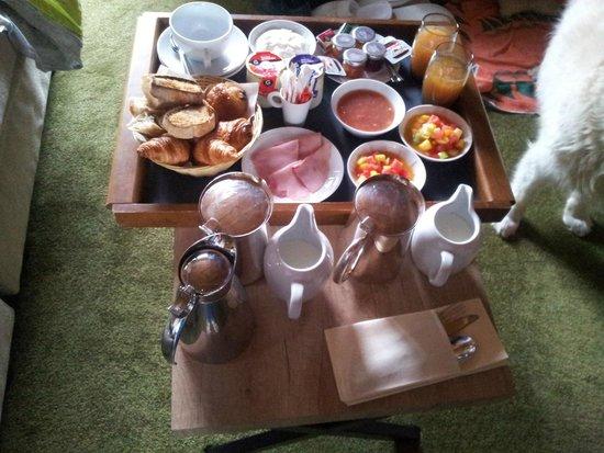Le Chabichou : exemple de petit déjeuner en chambre