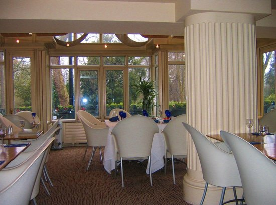 Corus Hotel Hyde Park London: Restaurante ventanal