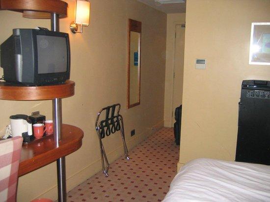 Corus Hotel Hyde Park London: Habitación
