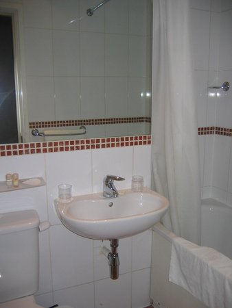 Corus Hotel Hyde Park London: Baño