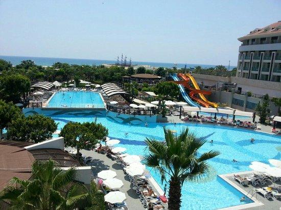 Aydinbey King's Palace Spa & Resort: Odadan bir görüntü