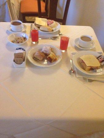 Hotel Embassy: Desayuno