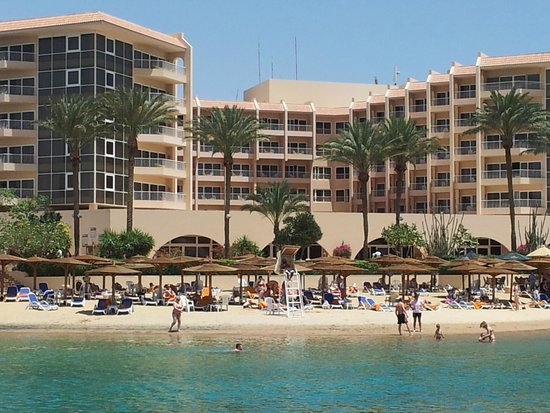 Hurghada Marriott Beach Resort: View from the Island bar