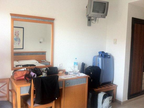 Hotel y Apartamentos Casablanca: Room 524