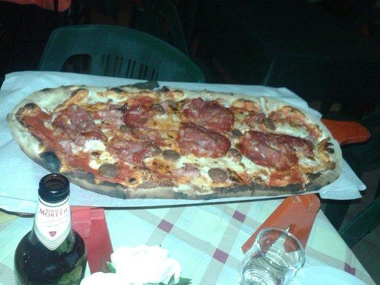 IL Covo Ristorante-Pizzeria: Unique pizza service :)