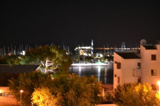 Aparthotel Ferrer Maristany : Marina from room at night