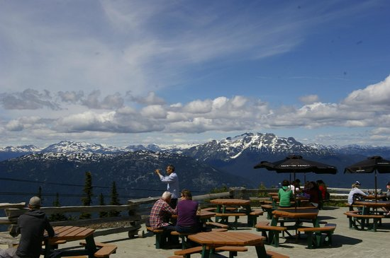 Peak 2 Peak Gondola: Roundhouse lodge restaurant