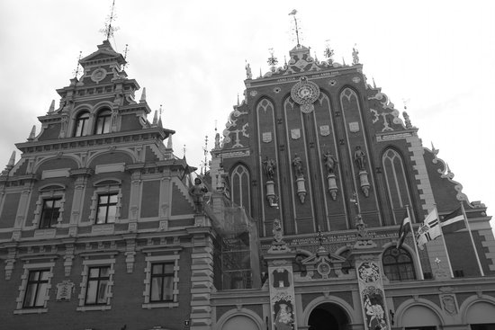 Riga Town Hall Square: old town