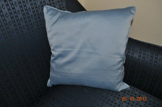 Trident, Cochin: Stained cushion