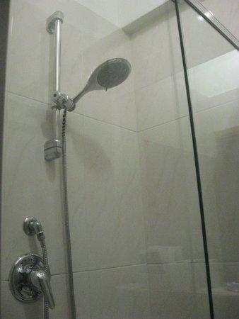 Hotel Italia: La ducha