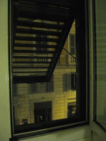 Hotel Italia: Ventana