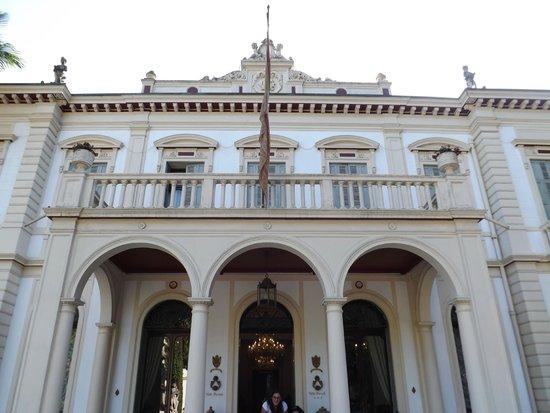 Villa Ducale Hotel e Restaurant: Imposing facade