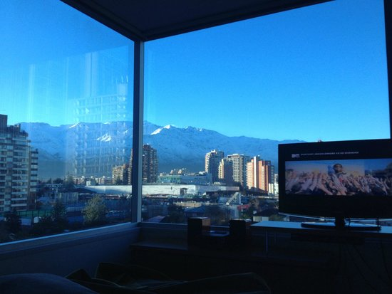 Best Western Premier Marina Las Condes: View from lying in bed!