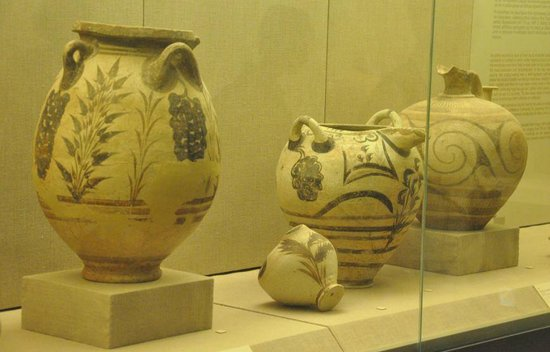 Museum of Prehistoric Thera : Archaeological museum, Fira 2