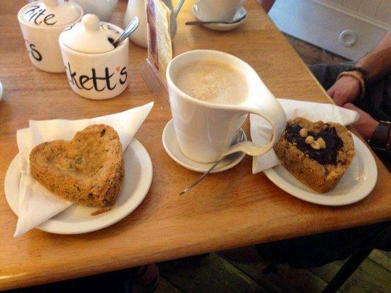 Beckett's coffee shop : Home made cookies