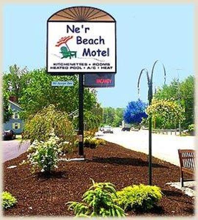 Ne'r Beach Motel : StreetSide